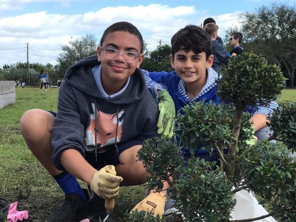 Ben Gamla Students Create a Peace Garden