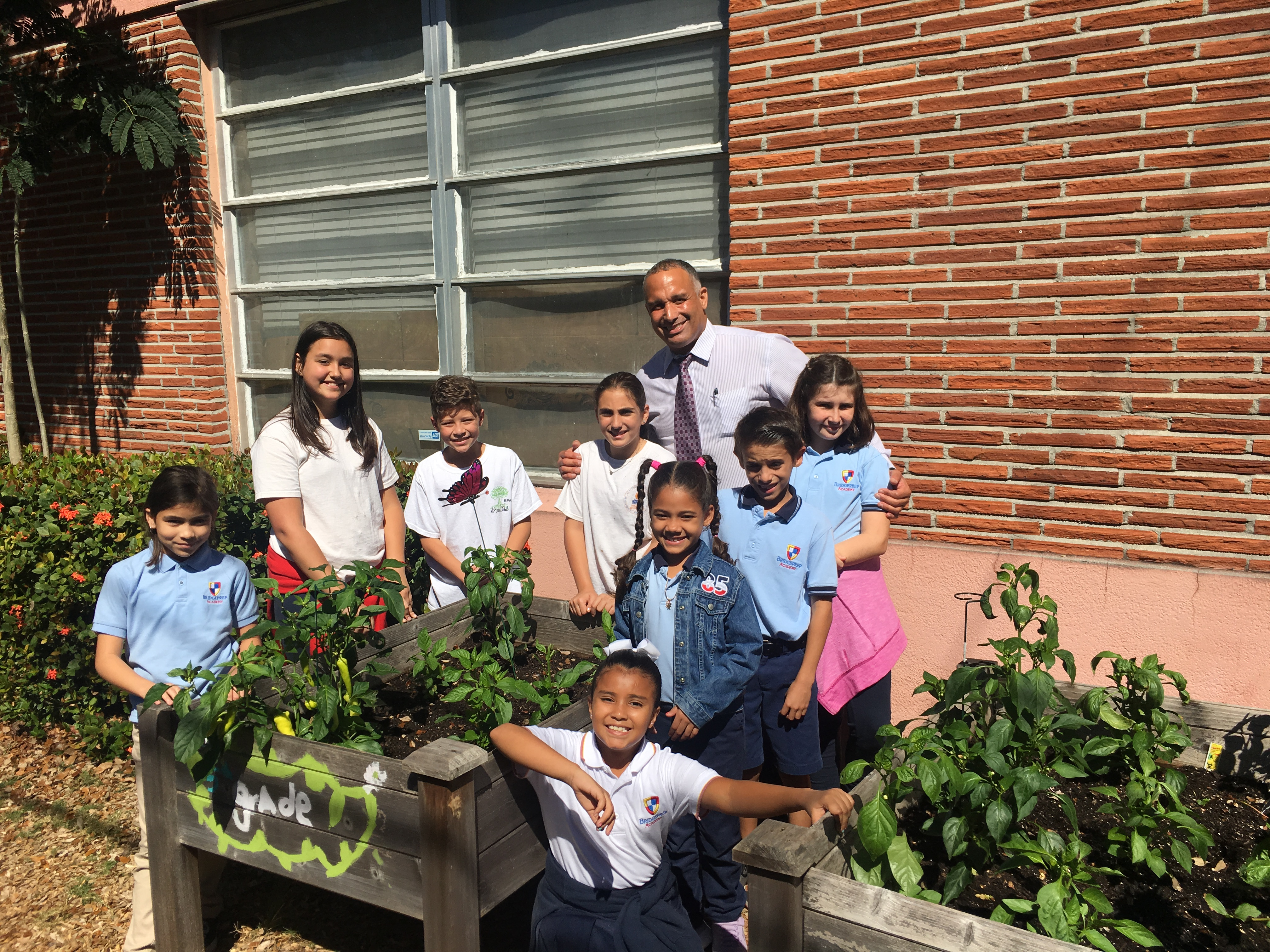 An Urban Garden Inspires, Engages Students